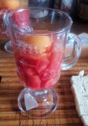 Мясо помидор и яйцо